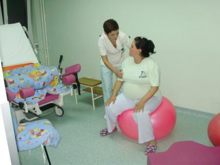 instrukcije kako da porodilja koristi loptu