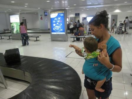 hug_bug_u_avionu_i_na_aerodromu_20120818_2058196722